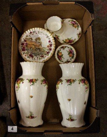 Royal Albert Old Country Roses pair large Vases, Tennis