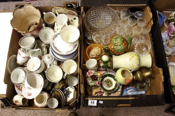A collection of pottery and glassware to include