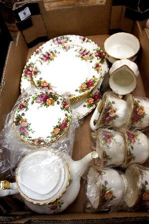 A collection of Royal Albert Old Country rose to