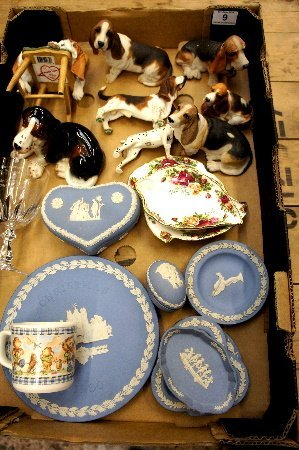 A collection of pottery to include Wedgwood Blue