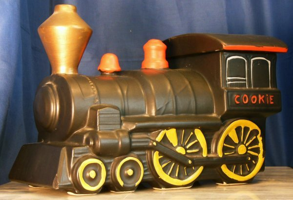 4: TRAIN ENGINE, MCCOY COOKIE JAR MARKED USA, 1962-64