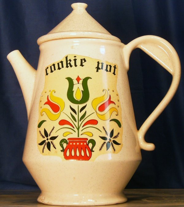 6: COOKIE POT, COOKIE JAR WITH FRUIT DECOR, BY MCCOY  M