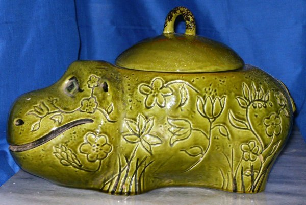 214: HIPPO COOKIE JAR, DORANNE OF CALIFORNIA, MARKED CA