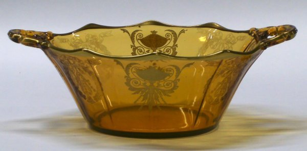 2712: Decagon Amber Handled Bowl Etched 738 Cambridge