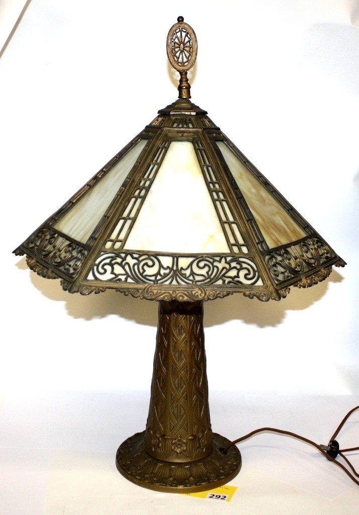 292: SLAG GLASS TABLE LAMP