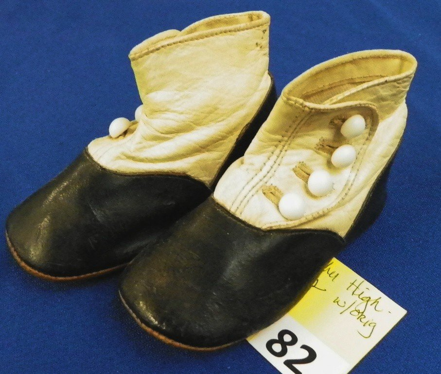 82: VICTORIAN HIGH TOP BUTTON SHOES