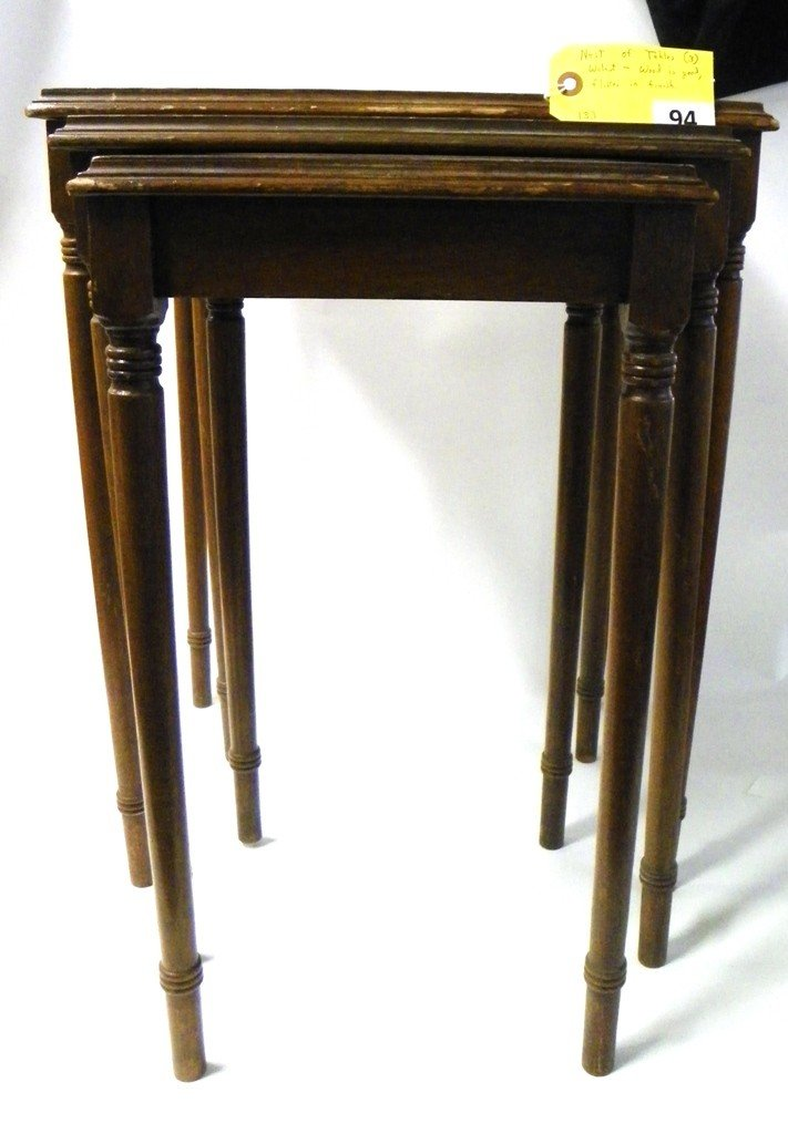 94: NESTING TABLES