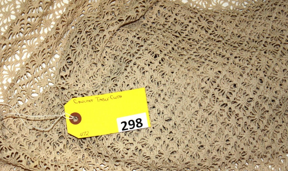 298: CROCHET TABLE CLOTH