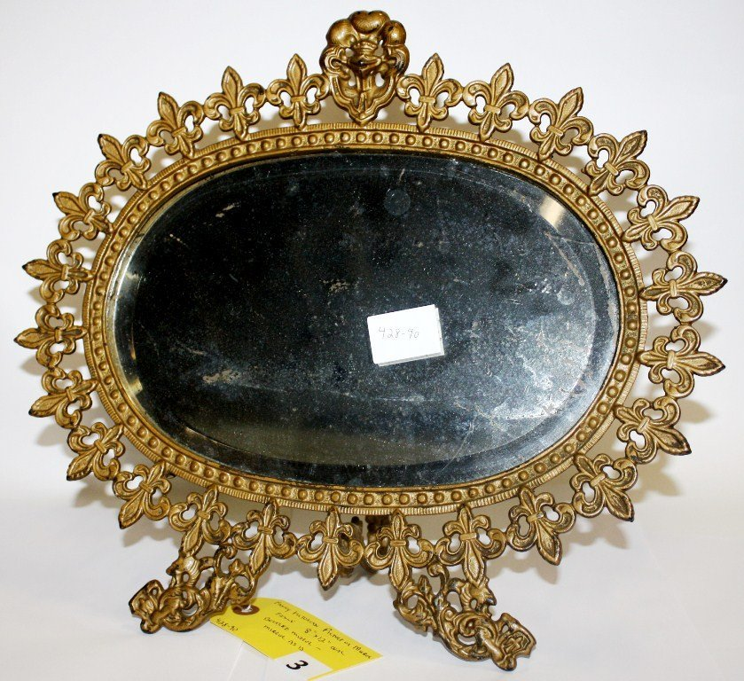 3: VICTORIAN PICTURE FRAME