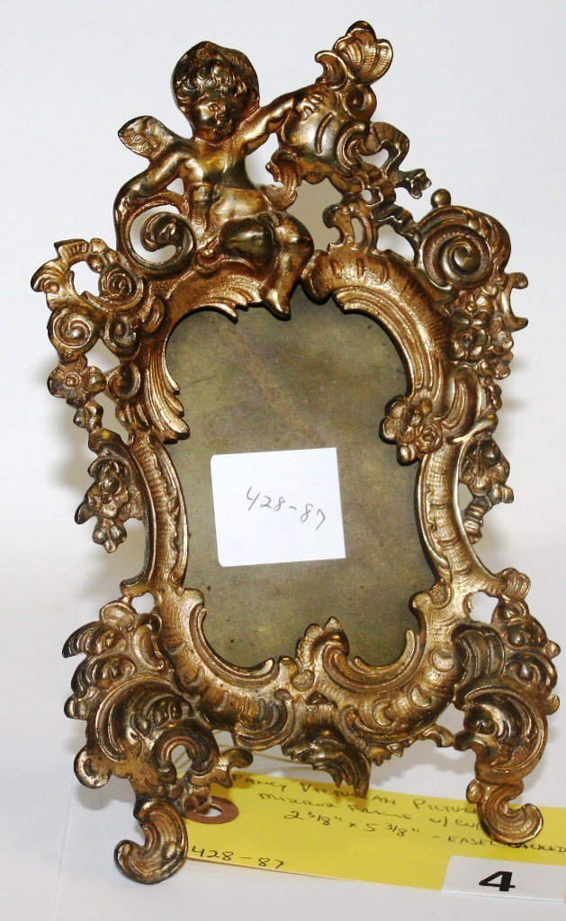 4: VICTORIAN PICTURE FRAME