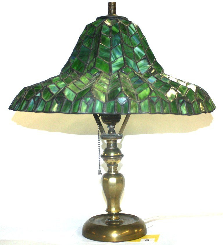 8: TIFFANY STYLE LAMP
