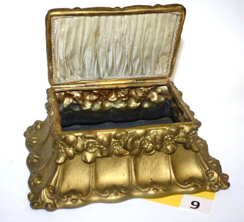 9: JEWELRY BOX