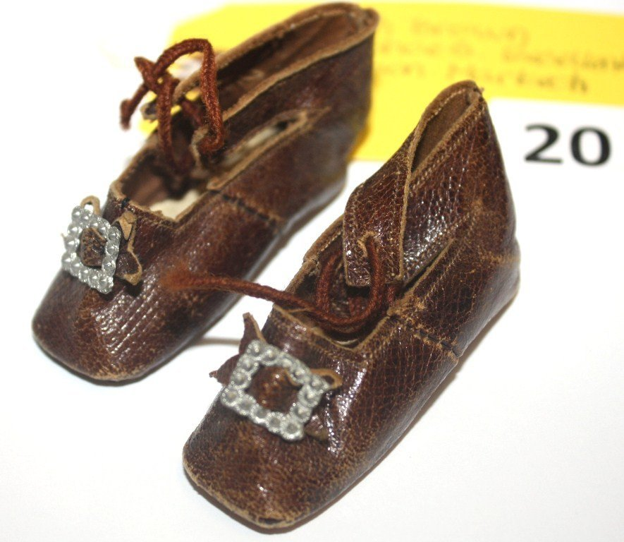20: FRENCH DOLL SHOES