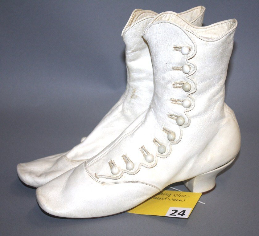 24: VICTORIAN WEDDING SHOES