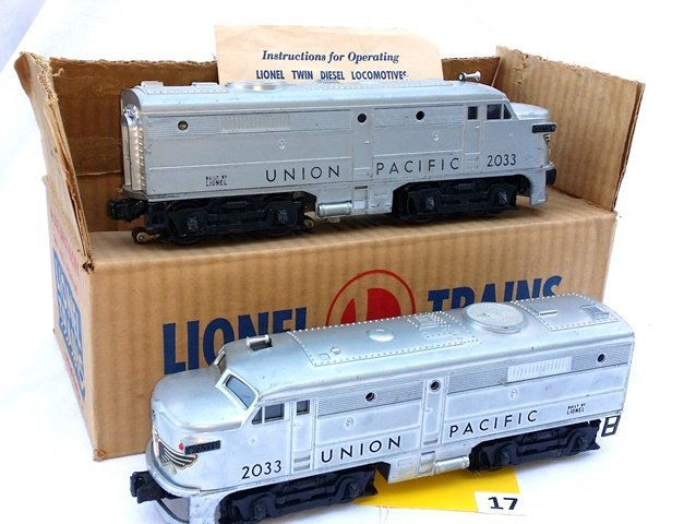 LIONEL 2033 UNION PACIFIC ENGINES, 2 AA UNITS, WITH