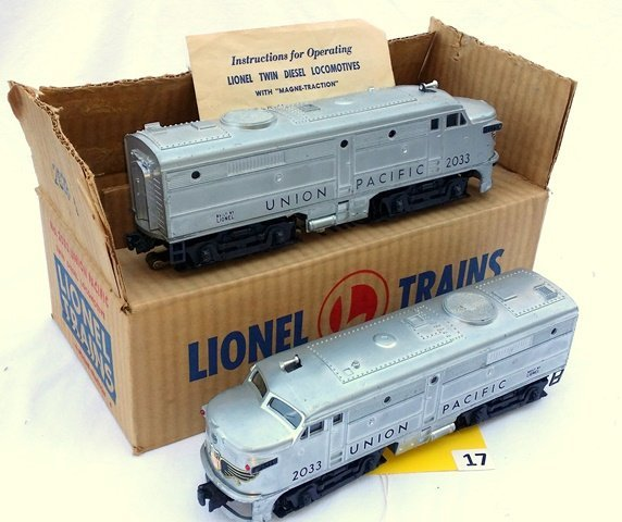 LIONEL 2033 UNION PACIFIC ENGINES, 2 AA UNITS, WITH - 2