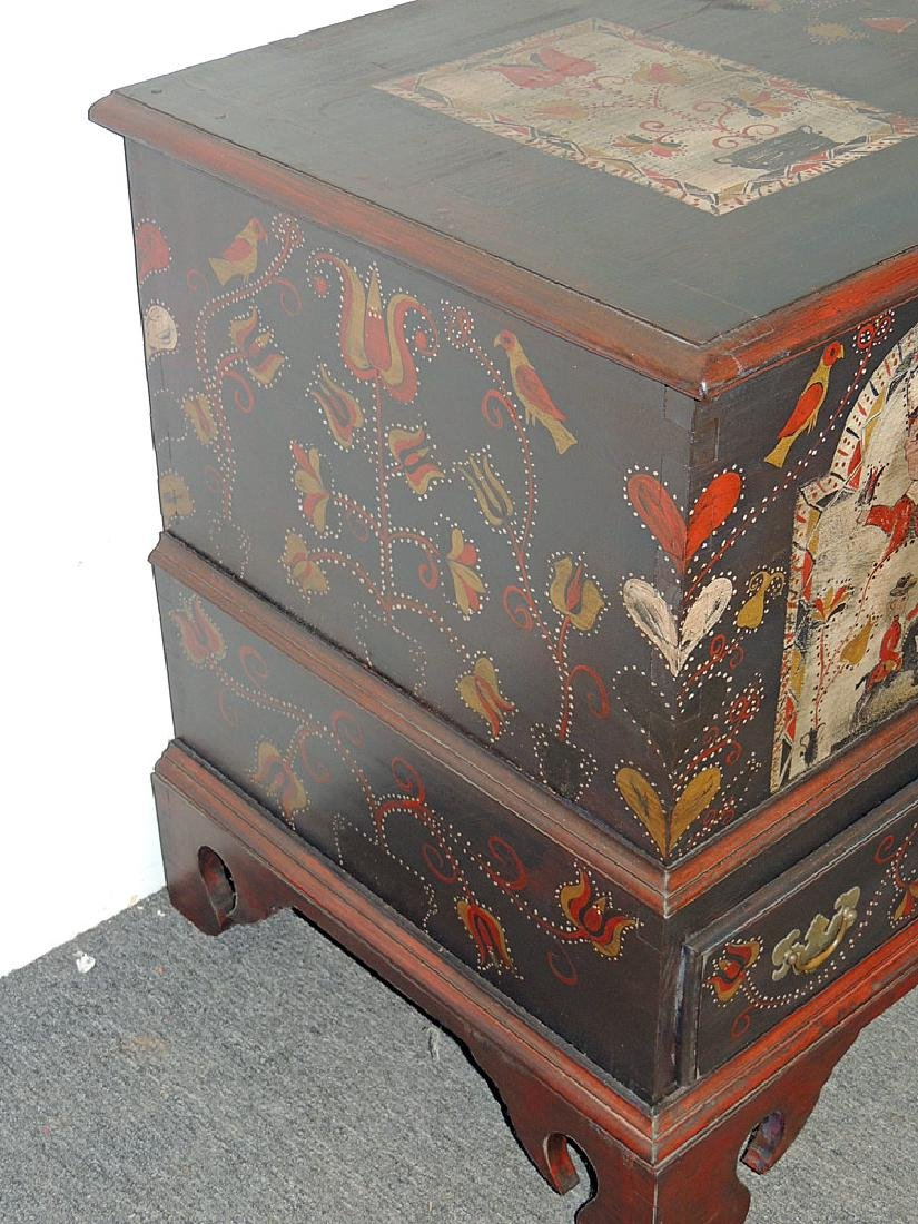 Cabinet-Made Painted Pennsylvania-style Blanket Chest - 3