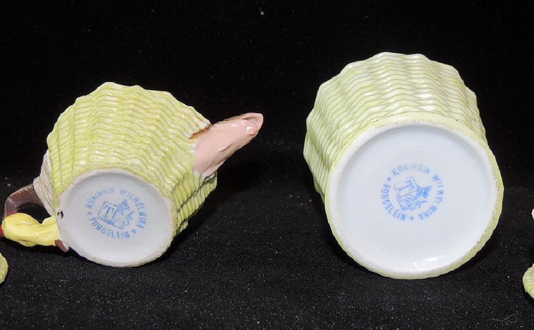 Two Royal Bayreuth Porcelain Covered Boxes - 3