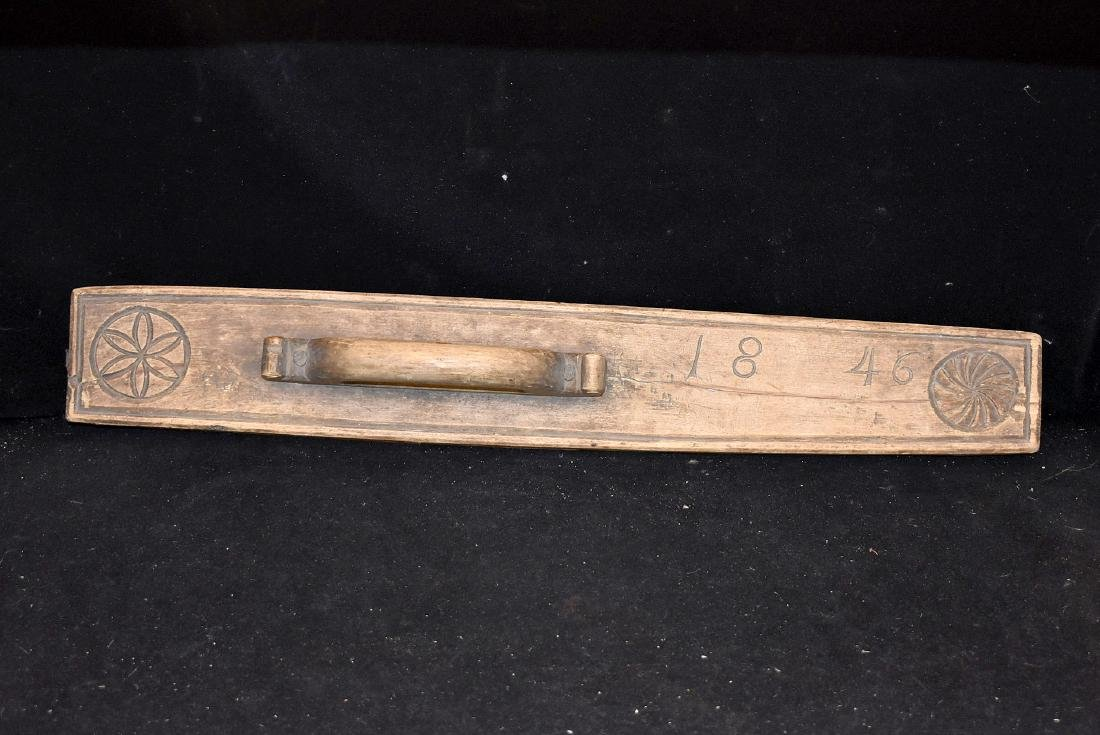 1846 Carved Smoothing Board
