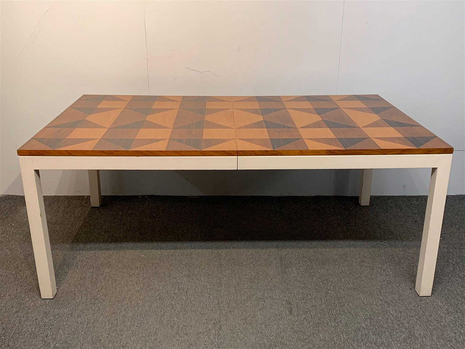 Modern Design Extension Dining Table