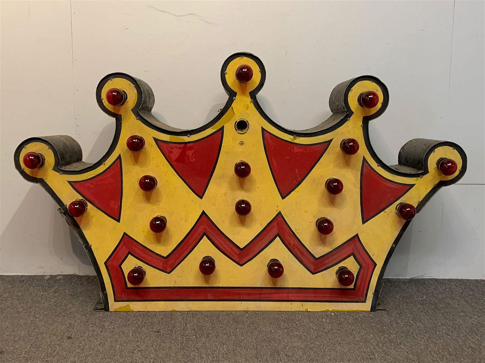 Painted Metal Crown Best Western Sign