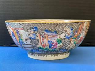 Chinese Export Porcelain Serving Bowl