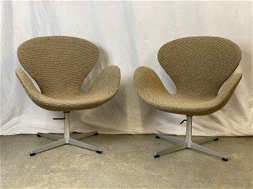 Pair of Arne Jacobsen for Fritz Hansen Swan Chairs