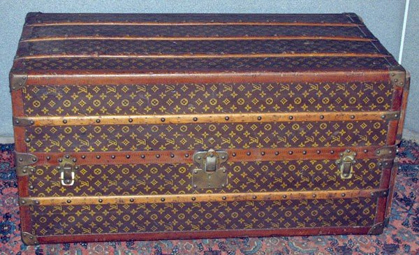 200: Louis Vuitton trunk