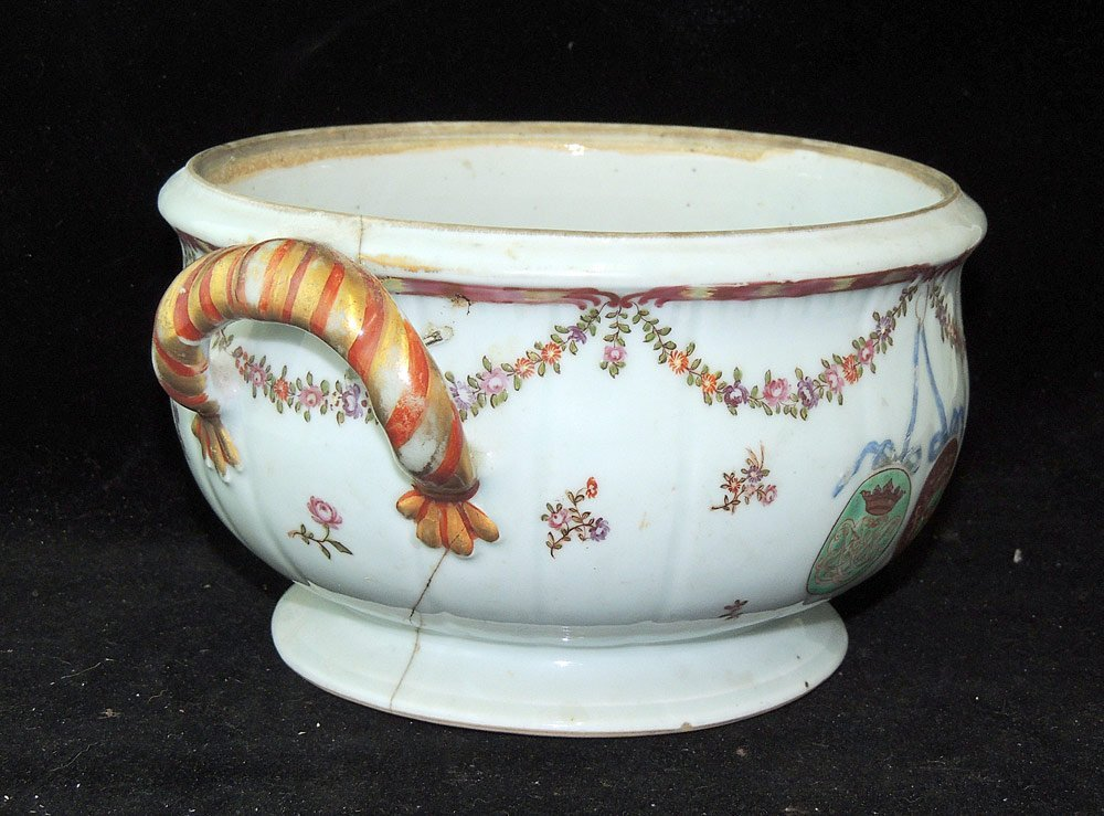 Chinese Export Armorial Tureen - 2