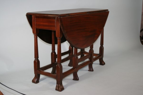 269: 17th C Gateleg Table