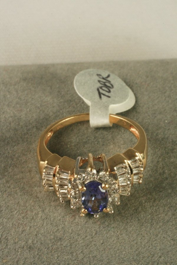 414: 14K Yellow Gold Tanzanite Diamond Ring