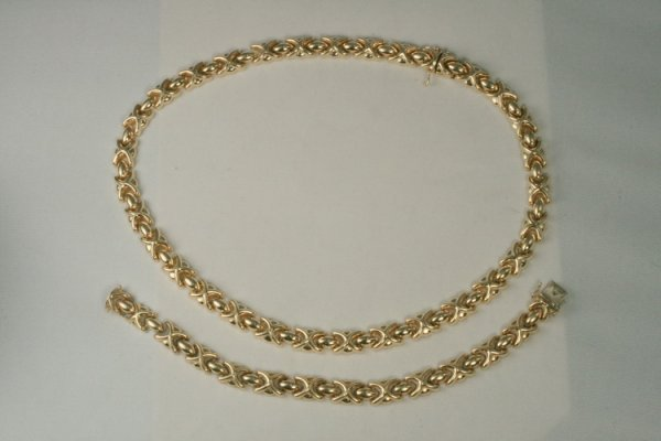 421: 14K Yellow Gold Suite, Necklace/Bracelet