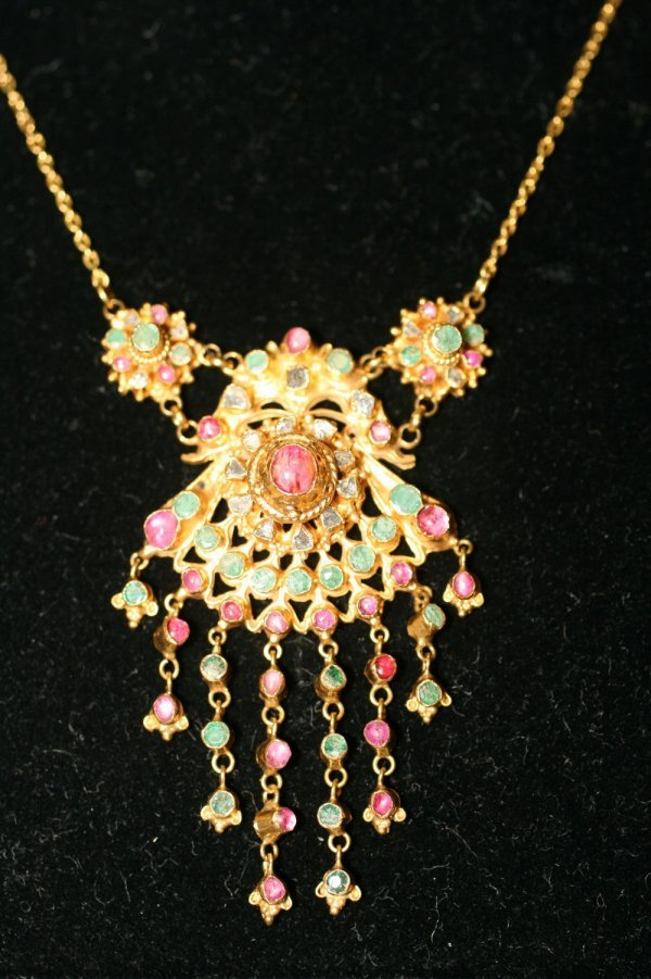 405: Moghul Style Gold and Ruby Necklace