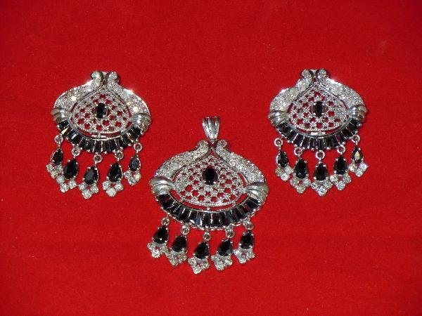 6: Set of black Sapphire and Diamond Jewelry