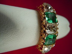 18Kt Yellow Gold Antique Emerald And Diamond Ring