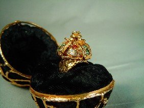 260: 18kt Gold Diamond Ring by Charles Tidewater