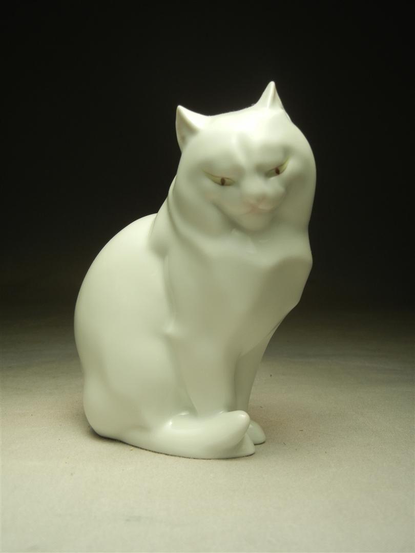 234: Hand-Painted Herend Hungary White Cat Figurine