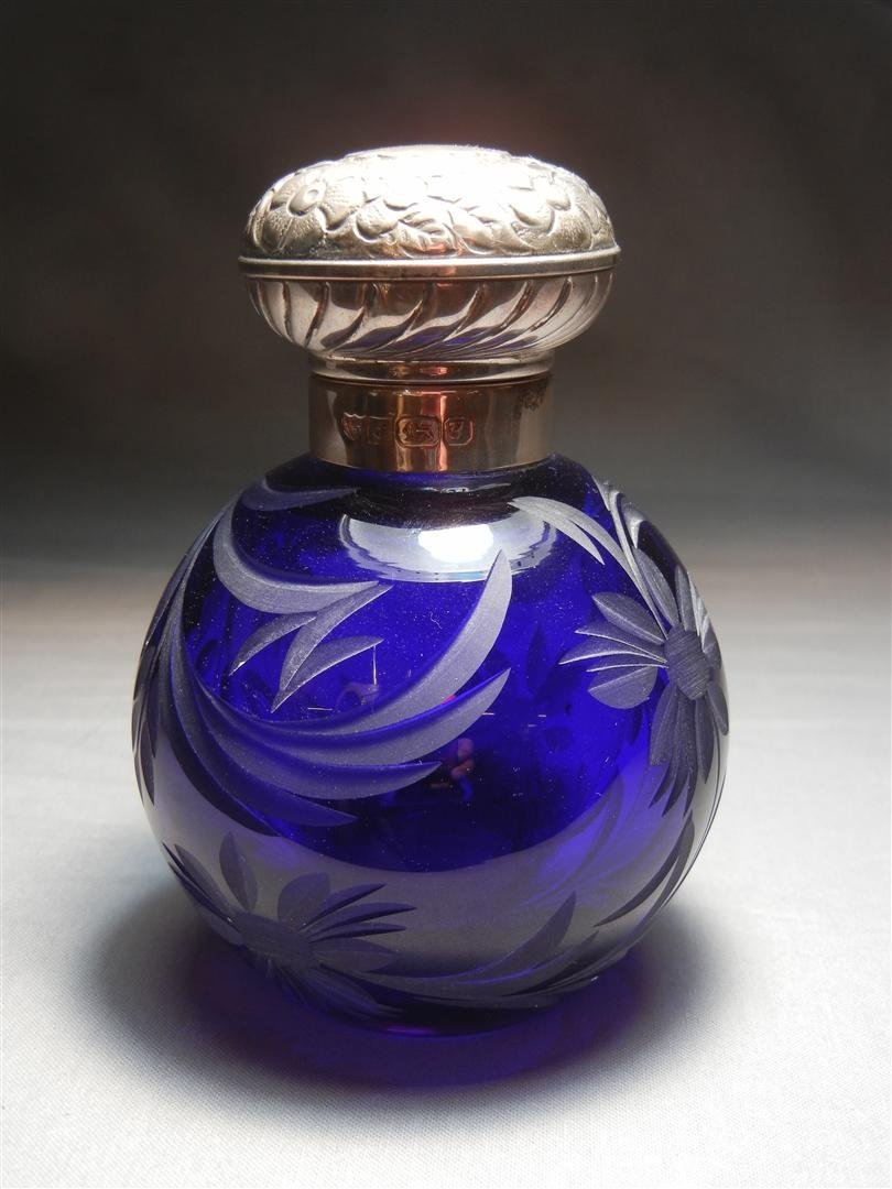 532: Sterling & Etched Glass Perfume Bottle