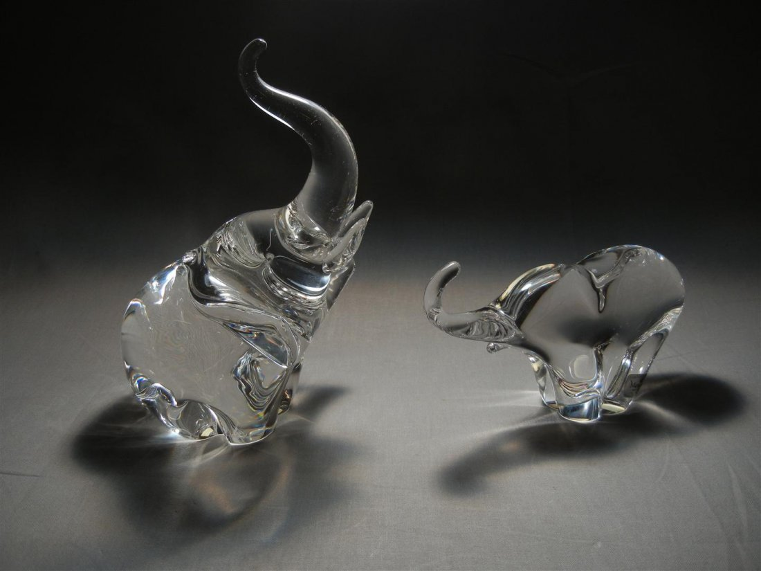 573: Pair of Crystal Elephants, Steuben & Marcolin