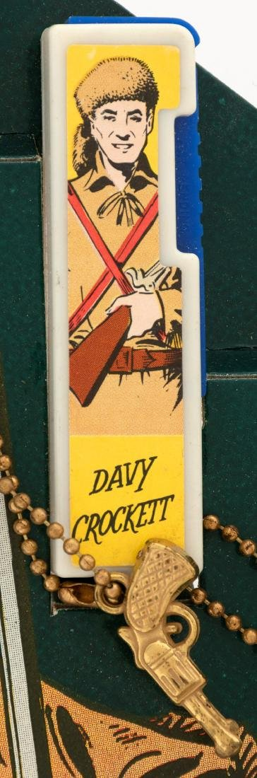"""DAVY CROCKETT FLASHLIGHT"" COMPLETE STORE DISPLAY. - 2"