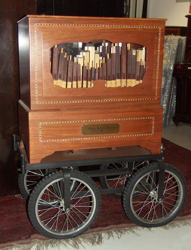 017: Monkey Organ  «Organ Grinder Music Co.»