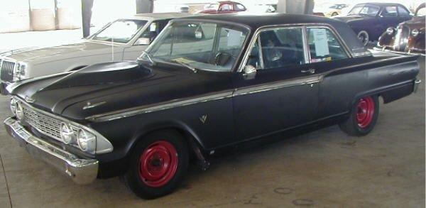 16: 1962 Ford Fairlane 500