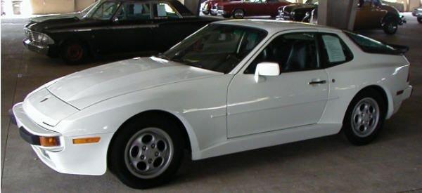 14: 1987 Porsche 944S