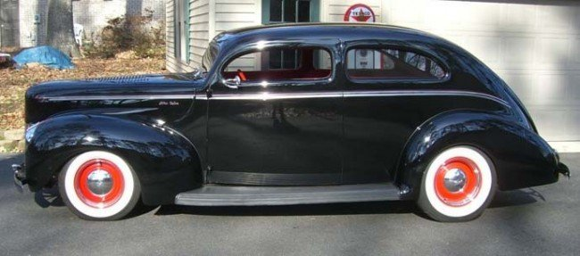 26: 1940 Ford Deluxe