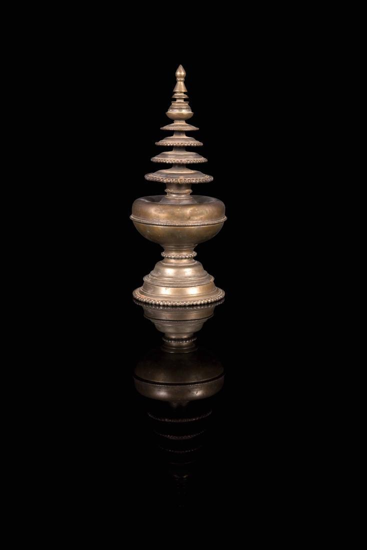 Stupa  Tibet - XIXe siècle  En laiton à quatre étages,