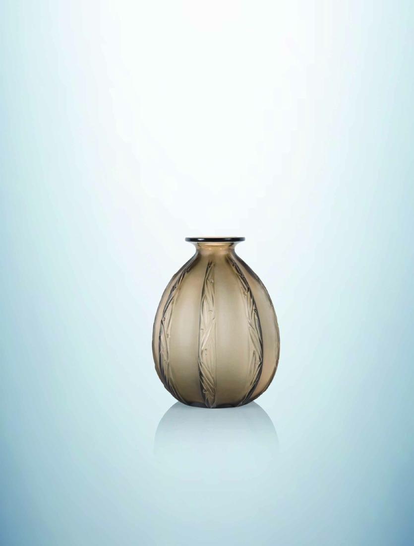 MARIUS-ERNEST SABINO (1878-1961) Vase piriforme a col