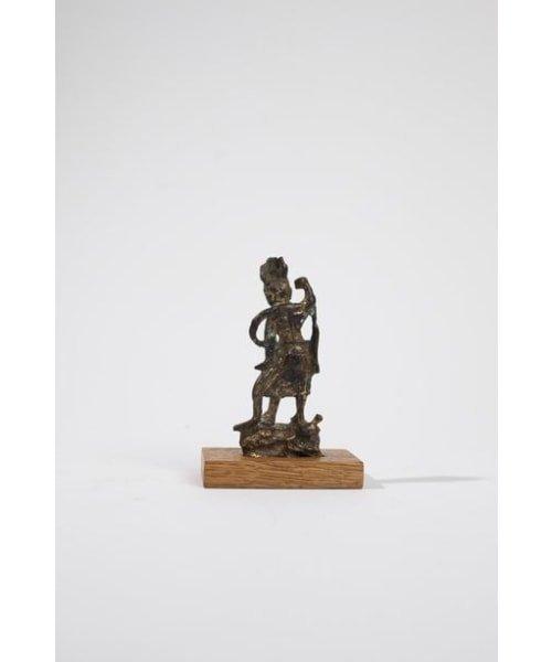 Petite statuette de gardien (Lokapala) en bronze dore? - 4