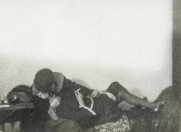 "1007:  ""GERMAINE KRULL (1897-1985)Les amies, 1924.Tirag"