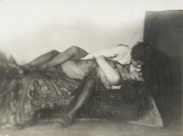 "1008:  ""GERMAINE KRULL (1897-1985)Les amies, 1924.Tirag"