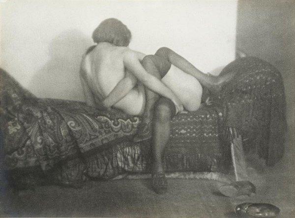 "1010:  ""GERMAINE KRULL (1897-1985)Les amies, 1924.Tirag"